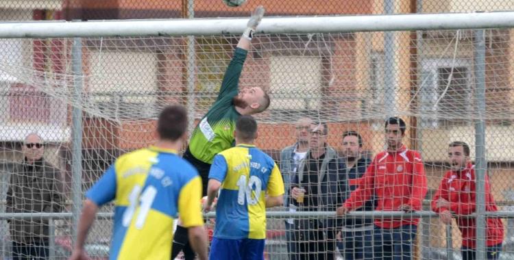 Lluri Granado ha encaixat nou gols en les vuit jornades disputades fins ara | Roger Benet