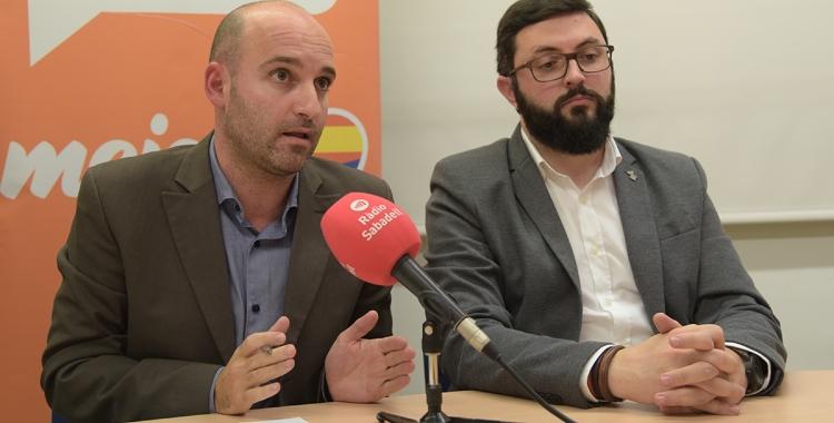 Els regidors Adrián Hernández i Ramon García durant la roda de premsa| Roger Benet