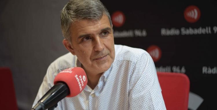 Claudi Martí, en una entrevista anterior, als estudis de Ràdio Sabadell   Roger Benet