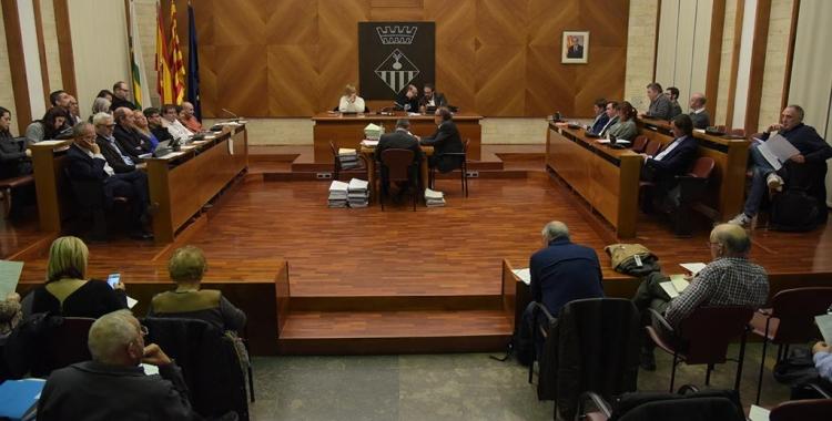 La moció dels presos en vaga de fam s'ha debatut al Ple municipal/ Roger Benet