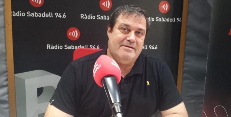 Ramon Vidal, als estudis de Ràdio Sabadell/ Pau Duran