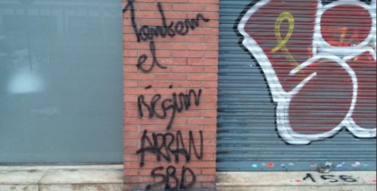 Imatges de les pintades a la seu del PSC | PSC Sabadell