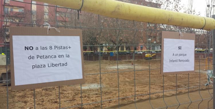 Aquesta és la zona en obres a la plaça davant l'escola | Pau Duran