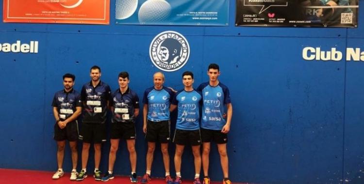 Dani Fernández, l'últim a la dreta de la imatge, debutant amb el primer equip del club | @CNStennistaula