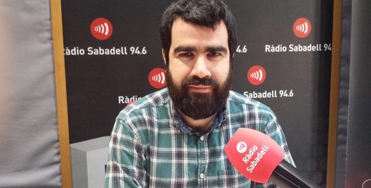 Àlex Hinojo als estudis de Ràdio Sabadell | Pau Duran