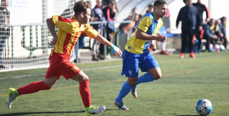 Omar defensant la samarreta del Sabadell Nord la temporada passada | Roger Benet