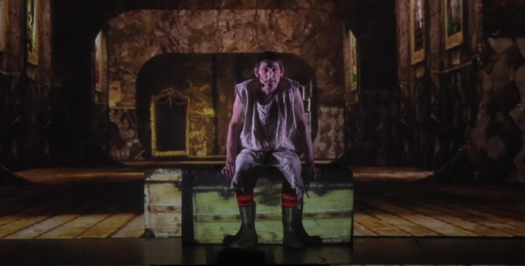 Albert Pla durant l'espectacle Miedo | Roger Benet