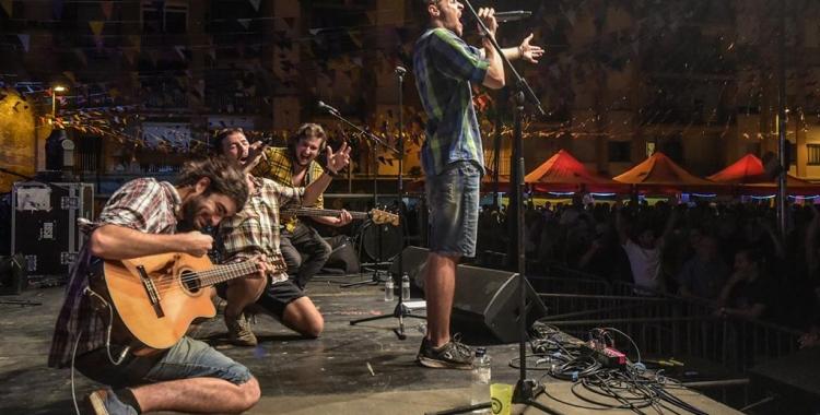 Els Ovella Xao en un concert a Sants, Barcelona | Roger Benet