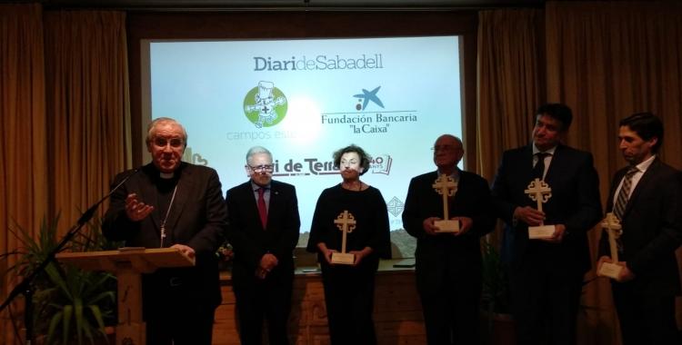 Els premiats juntament amb Salvador Obiols i el Bisbe de Terrassa | Helena Molist