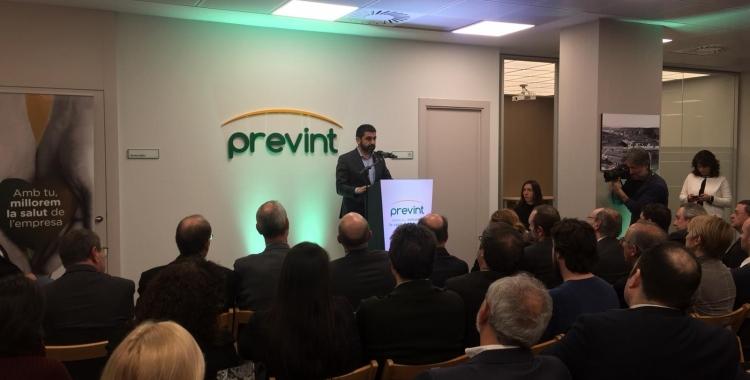 Chakir El Homrani durant l'acte a la seu de Prevint | Ràdio Sabadell