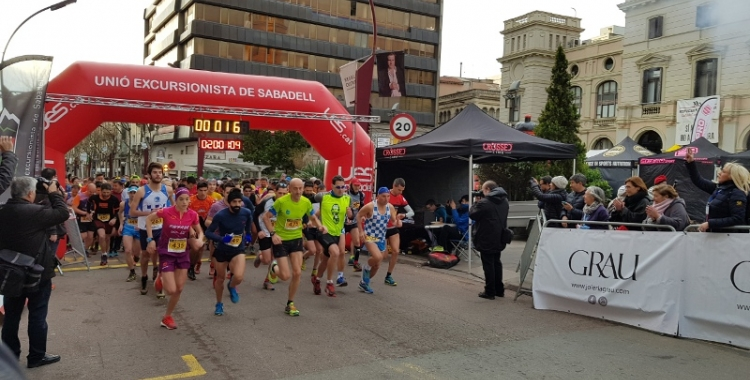 Sortida de la Mitja marató del 2018   Arxiu RS