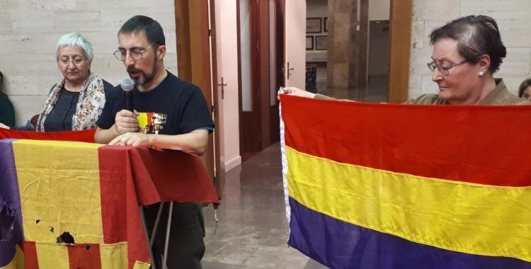 Joan Balart, durant la presentació de la moció al Ple/ Karen Madrid