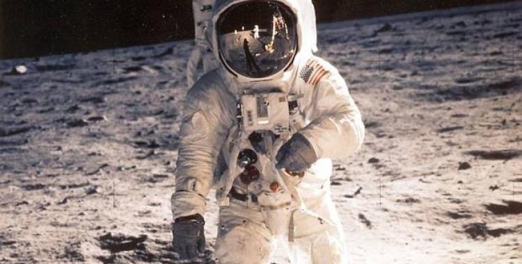 Expedició a la lluna/ Cedida