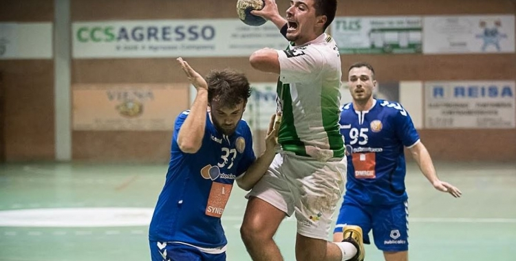 Els sis gols de Jordi Sancho no van ser suficients per obtenir el triomf.   Èric Altimis - OAR Gràcia