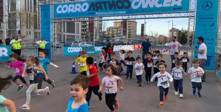 Corro contra el Càncer escalfa motor amb la cursa infantil | Cedida