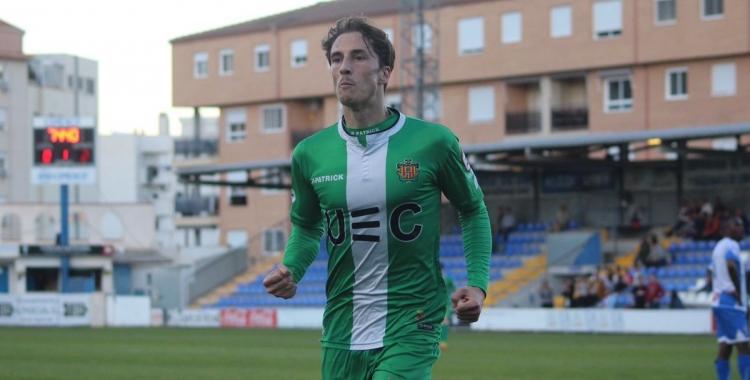 Gila celebrant el seu gol al Collao d'Alcoi en l'últim desplaçament del Cornellà | UEC