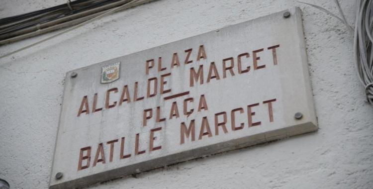 Placa actual de la plaça Batlle Marcet | Roger Benet