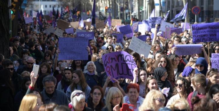 La manifestació ha recorregut l'eix central de la ciutat des dels Jutjats/ Roger Benet