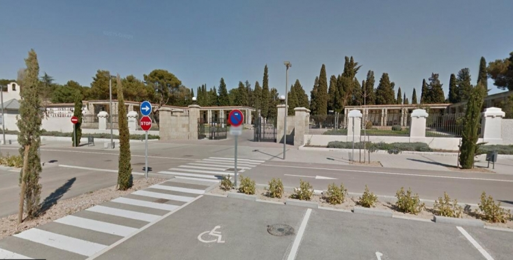 Entrada del Cementiri de Sabadell   Goggle Maps