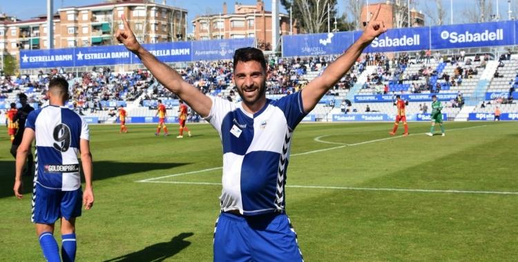 Arturo Rodríguez celebrant de manera especial el gol del triomf ahir contra el Lleida | Críspulo Díaz