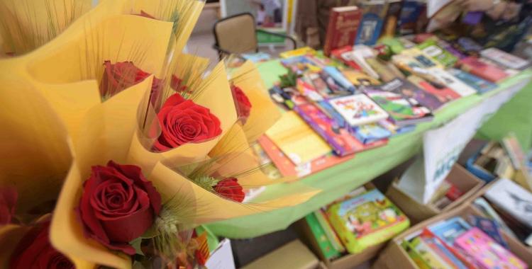 Llibres i roses per Sant Jordi   Roger Benet