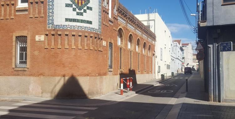 Imatge de la intersecció entre els carrers Les Paus i Llobet on s'actuarà  | Arxiu