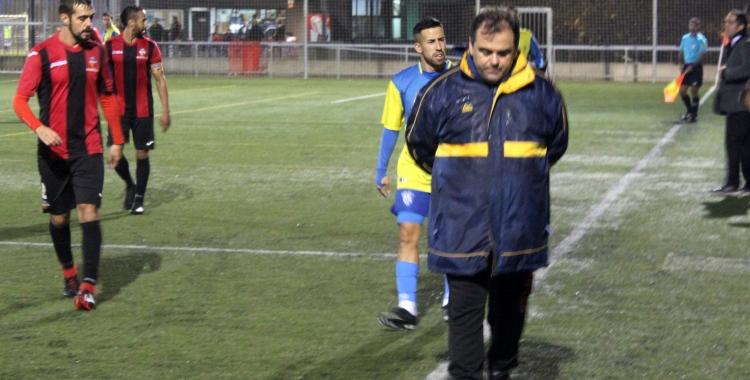 Quico Díaz rumiant durant el partit de la primera volta a Sant Cugat | Adrián Arroyo