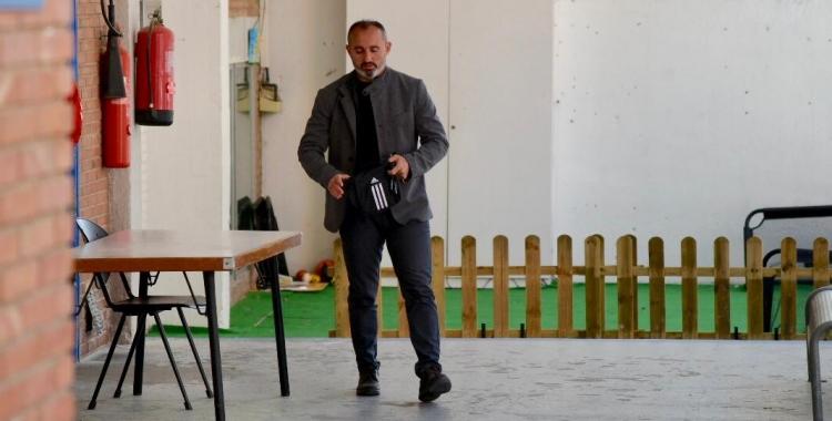 Kiko Ramírez sortint de la reunió on se li ha comunicat la destitució | Roger Benet