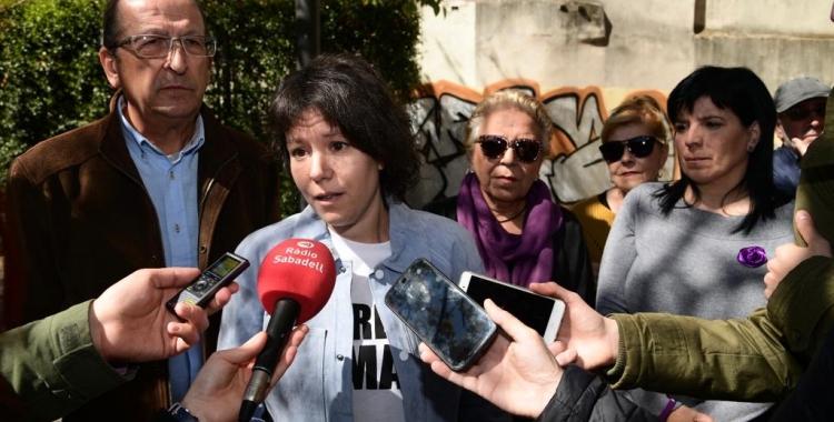 Marta Morell, acompanyada de membres de Podem/ Roger Benet