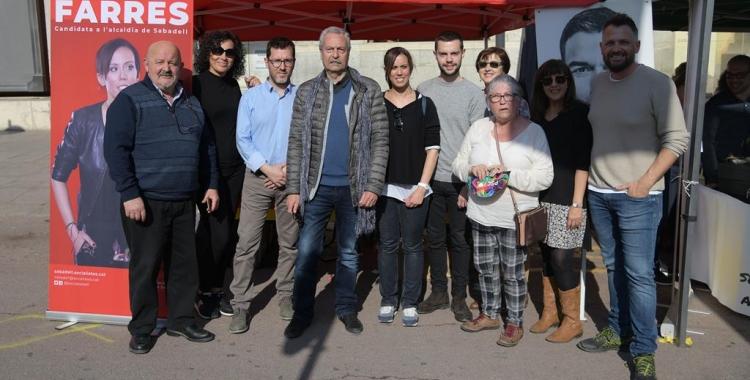Marta Farrés i Paco Aranda a la paradeta del PSC durant el Sant Jordi | Roger Benet