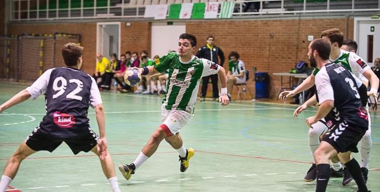 Jordi Sancho s'ha mostrat molt descontent amb l'actuació de l'equip contra La Roca. | OAR Gràcia