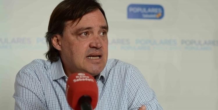 Esteban Gesa ha recollit les demandes ciutadanes durant la campanya/ Arxiu Ràdio Sabadell