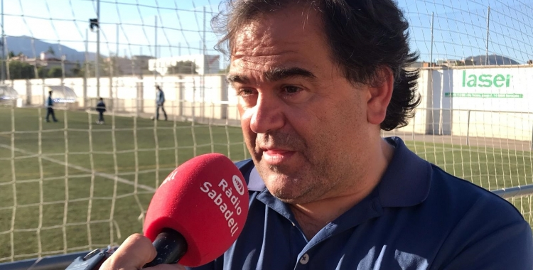 Quico Díaz atenent a Ràdio Sabadell al Municipal de Ca n'Oriac | Pau Vituri