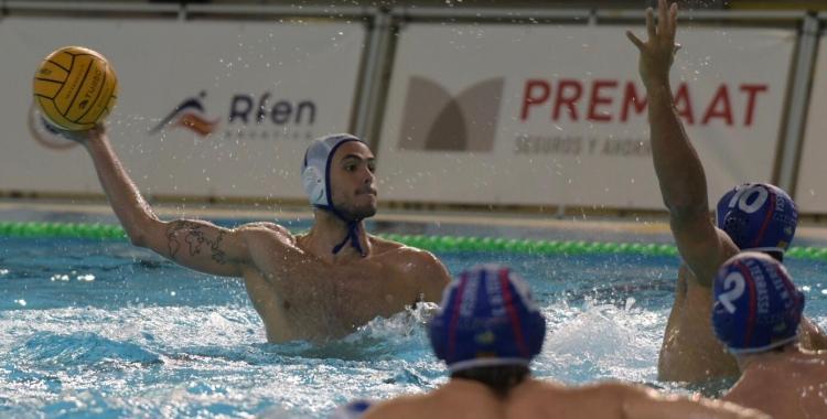 Borja Fenoy, en una acció del partit de la primera volta | Roger Benet