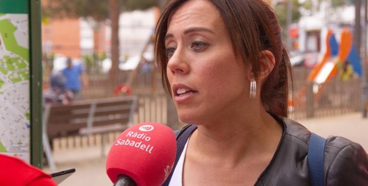 Marta Farrés, en una parada informativa de campanya | Cedida