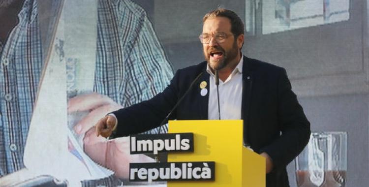L'exalcalde i alcaldable d'ERC, Juli Fernàndez, durant el míting central d'ERC | Jordi Pujolar, ACN