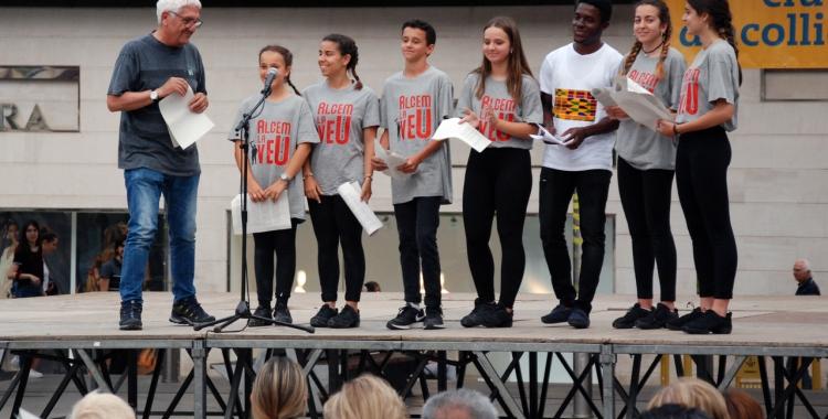 Petits i grans han llegit el manifest | Jordi Ramoneda