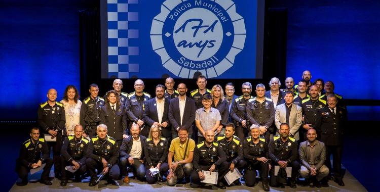 Foto de família dels premiats | Berta Tiana / Ajuntament de Sabadell
