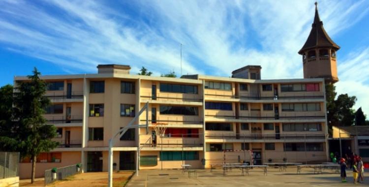 Imatge de l'Escola Samuntada, de la qual famílies de La Creu Alta n'han quedat fora