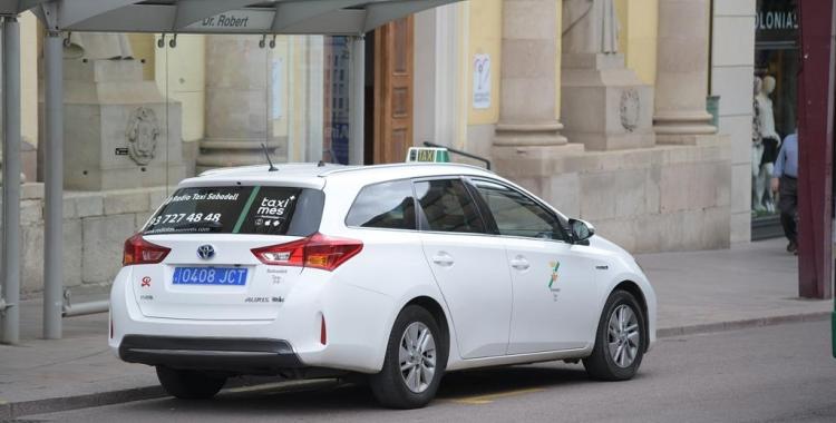 Els taxistes van estar en peu de guerra a principis d'any demanant una regulació   Roger Benet