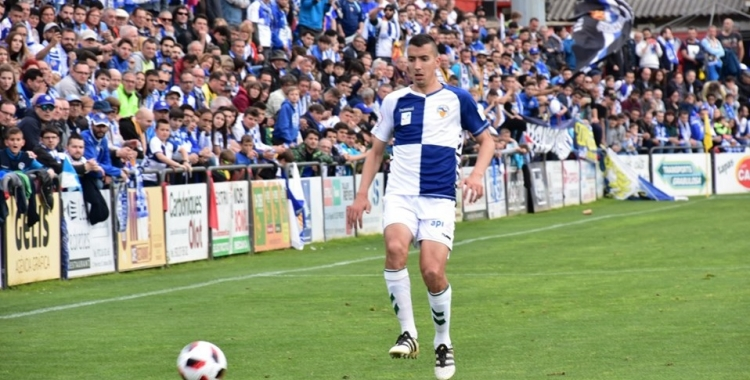 Capó, en el darrer partit de lliga a Olot | Críspulo Díaz