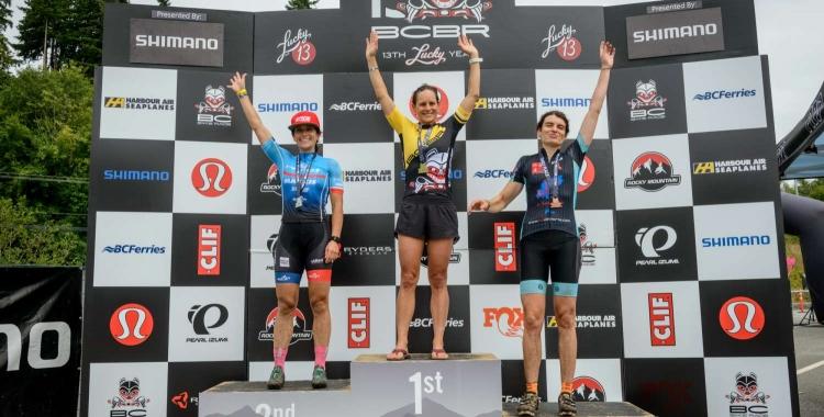 Xinxó (dreta) va assolir la tercera plaça a la sisena etapa de la cursa. | BC Bike Race