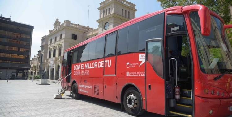 Una unitat mòbil del Banc de Sang a Sabadell   Roger Benet