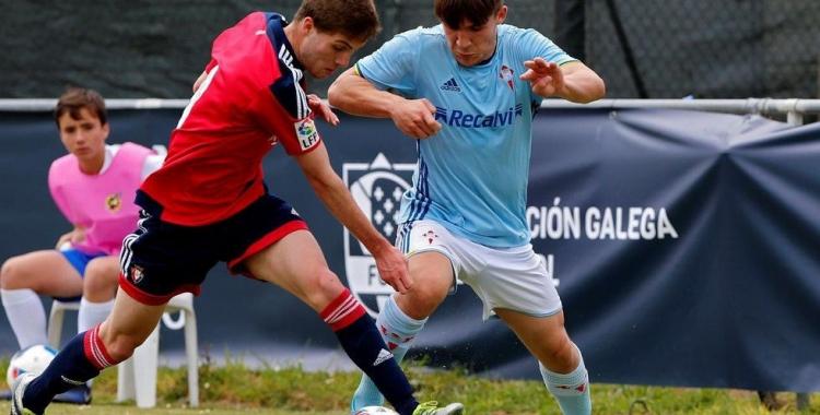 Rey disputant un partit amb el juvenil del Celta. | FGF