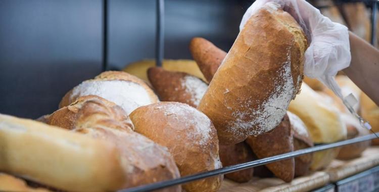 La Llei estableix que el pa integral ha d'estar fet amb farina 100% integral | Roger Benet
