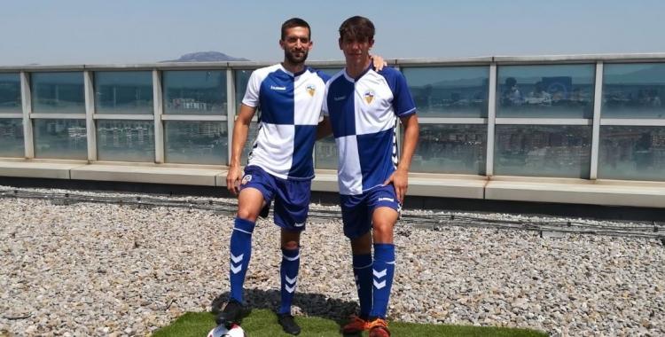 Grego Sierra (esquerre) i Aleix Roig (dreta) han estat presentats al terrat de la Torre Millenium.   Sergi Park