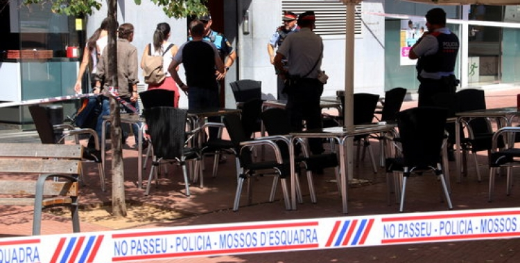 Efectius policials treballant al lloc dels fets   ACN