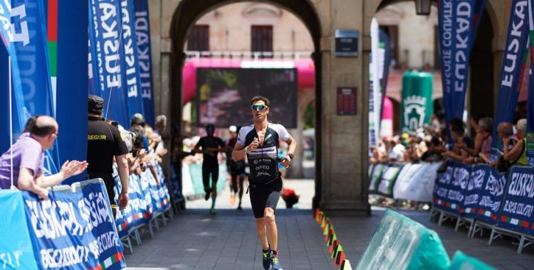 Unes molèsties a l'isquiotibial van acabar perjudicant Blanchart a la cursa a peu.   Getty Images for Ironman