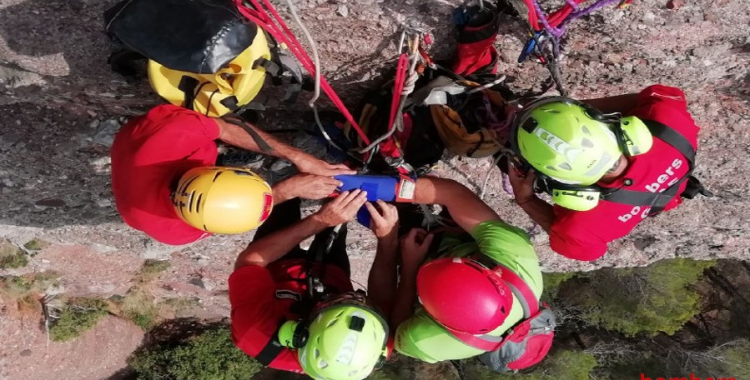 Exercici de rescat fet ahir a la Mola/ Bombers