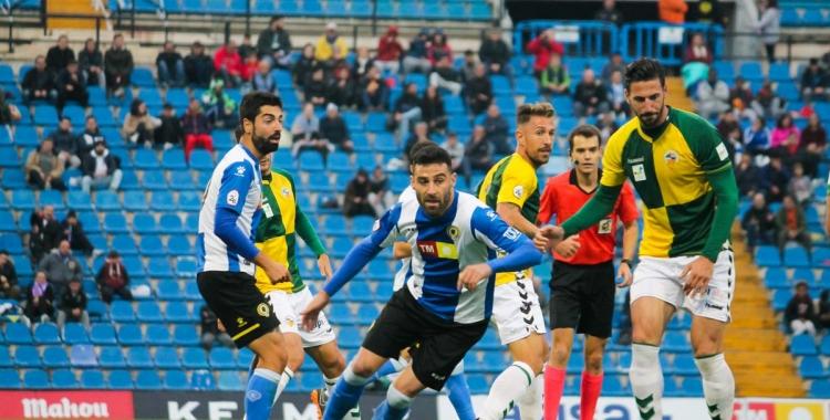 La temporada passada, ja amb Hidalgo com a entrenador, el Sabadell va caure contra l'Hércules (2-0). | Arxiu